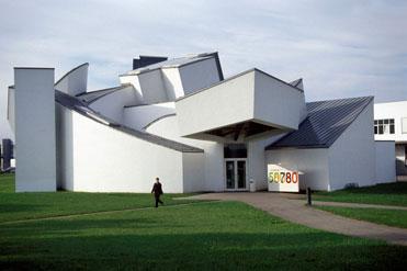 Opus hong kong frank gehry s first residential building - Dekonstruktivismus architektur ...
